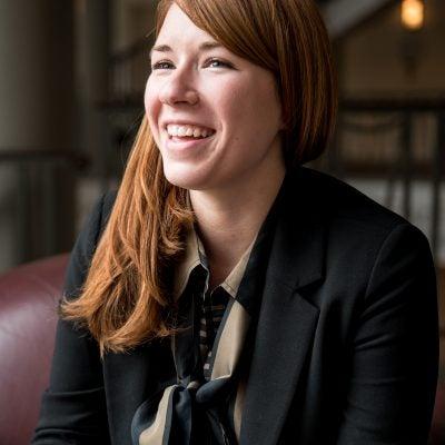 Alison Woodworth Headshot