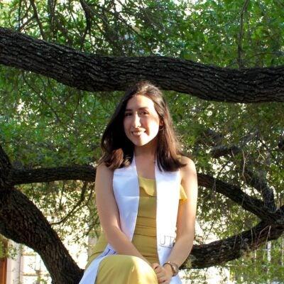 Joanna Perez Headshot